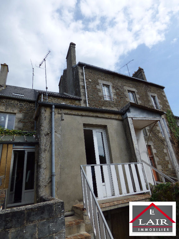 A vendre local commercial avec appartement Nord Mayenne